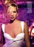 Kate Moss Italian Vogue - 2006 - The Girl of a Singular Beauty Foto 198 (Кэйт Мосс Итальянский Vogue - 2006 - The Girl особой красоты Фото 198)