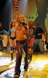 http://img104.imagevenue.com/loc24/th_92450_b8009_Christina_Aguilera_Dirrty_Performance_cduk_10_31_2002_12.jpg