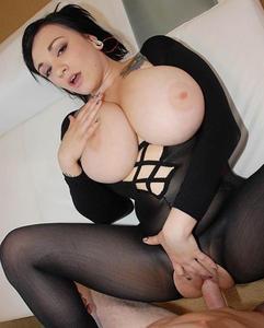 April Mckinzie – 36 GG cup Big tits sex 540p