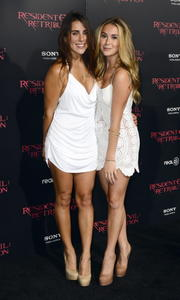 http://img104.imagevenue.com/loc344/th_585774262_AlexaVega_ResidentEvilRetributionPremiere_Hollywood_25_122_344lo.JPG