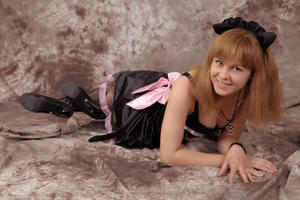 http://img104.imagevenue.com/loc467/th_232813478_Silver_Sandrinya_maid_3_084_122_467lo.jpg