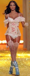Gracie Carvalho hot lingerie-Victoria's Secret Fashion Show
