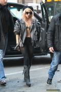 [Image: th_73098_Lady_Gaga_30_122_508lo.jpg]