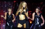 Mariah Carey Just one with her pooch Foto 723 (Марайа Кэри Лишь один со своей дворняжка Фото 723)