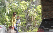 http://img104.imagevenue.com/loc584/th_471499677_Hilary_Duff_Going_to_friends_house3_122_584lo.jpg
