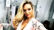 Candice Swanepoel Cleavage, November 2017