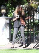 http://img104.imagevenue.com/loc599/th_41548_Mary_Kate_Olsen_Spent_at_a_friends_house2_122_599lo.jpg