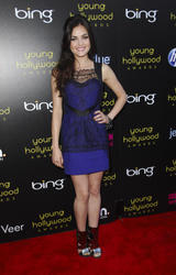 http://img104.imagevenue.com/loc85/th_212492141_LucyHale_2011YoungHollywoodAwards_12_122_85lo.jpg